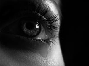 eyelash-in-eye