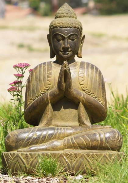 1-praying buddha statue
