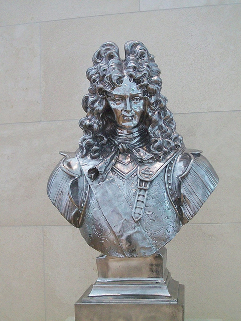 Jeff Koons, Louis XIV. Stainless steel, 46 x 27 x 15 inches 1986
